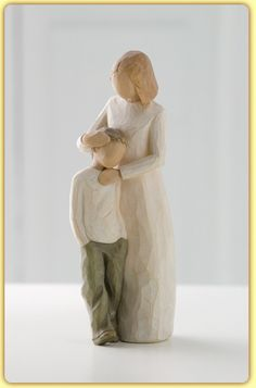 Who can describe the unique love of mother and son. shown here in Susan Lordi's Willow Tree ® keepsake figurine Mother and Son; Celebrating the bond of love between mothers and sons. Willow Tree ® Mother and Son by Susan Lordi Willow Tree Engel, Willow Tree Figuren, I Love My Son, Mothers Love, Mother Daughters, Daddy Daughter, Happy Mothers, Little Man, My Children