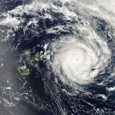 Tropical Cyclone Ian intensifies to Category 5 #TCIan. Sweet they named it after me!!