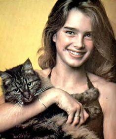 Brooke - Brooke Shields Photo - Fanpop My doppelganger . Brooke Shields, Crazy Cat Lady, Crazy Cats, Celebrities With Cats, Celebs, Tier Fotos, Ernest Hemingway, Cat People, Pretty Baby
