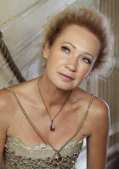 "Képtalálat a következőre: ""udvaros dorottya"" Pearl Necklace, Actresses, Pearls, Chain, Lady, Actors, Jewelry, Fashion, String Of Pearls"