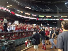 Cardinals salute the fans of #CardinalNation who came out to Chase Field today. 9-28-14