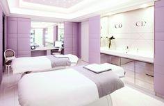 Paris'in ikonik otellerinden Plaza Athénée, Dior Institute'e ev sahipliği yapıyor.
