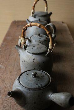 Mayumi Yamashita   teapots (in new glaze colour!)