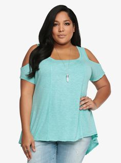 Get swinging! No better way to step into a new season than with the right look. Casual sexiness is what we call this flared style. Cut-out shoulders let you show off a little skin while exposed seams and raw cut edges finish off this soft top with a laid-back trendiness.