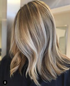 Dimensional sandy blonde balayage! #BlondeHairstylesMedium