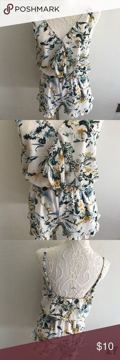 """Mimi Chica Womens Floral Romper Size M Size m Perfect condition Smoke pet free home  Waist 12"""" flat across and has elastic so will stretch more  Length top to bottom 32.5"""" Pit to pit 18"""" flat across  97% polyester  3% spandex Mimi Chica Pants Jumpsuits & Rompers"""