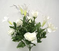 Rose/lily bouquet x 16. Cream