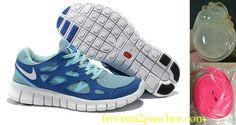 Femmes Nike Free Run 2 running shoes New Nike Running Shoes, Nike Free Shoes, Nike Shoes, Roshe Shoes, Shoes Sport, Blue Sneakers, Sneakers Nike, Nike Free Run 3, Free Runs