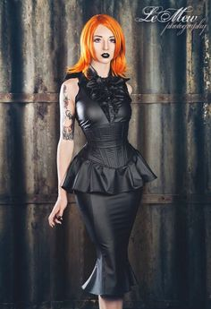 Three Gothic Fashion Tips That You Should Use – Angels and Demons Sexy Outfits, Fashion Outfits, Fashion Tips, Fashion Clothes, Style Fashion, Lolita Goth, Steampunk, Hobble Skirt, Gothic Models