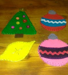 Free Felt Patterns for Christmas Ornaments - jananas  This print ready pdf includes a candy cane, a mitten, a gingerbread man, a stocking, christmas lights, and two ornaments.