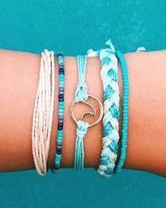 Founded in Costa Rica, each purchase helps provide full-time jobs for artisans worldwide! Shop Pura Vida for the latest handmade bracelets and accessories. Purvida Bracelets, Beachy Bracelets, Summer Bracelets, Handmade Bracelets, Friendship Bracelets, Cute Jewelry, Jewelry Accessories, Bridal Jewelry, Anklet Designs