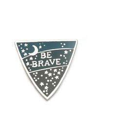 Bonbi Forest Be Brave Pin In Silver ($10) ❤ liked on Polyvore featuring jewelry, brooches, star jewelry, silver jewelry, silver jewellery, silver star jewelry and blue silver jewelry
