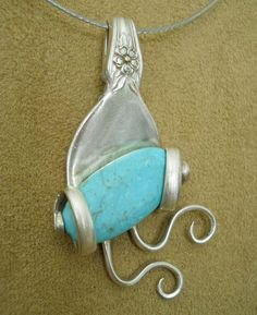 Twisted Tines w Turquoise Pendant * Silverplate Fork Jewelry * DIY How-To * Phot . - Twisted Tines w Turquoise Pendant * Silverplate Fork Jewelry * DIY How-To * Phot … - Silver Spoon Jewelry, Fork Jewelry, Metal Jewelry, Beaded Jewelry, Handmade Jewelry, Silver Rings, Silver Spoons, Glass Jewelry, Pendant Jewelry