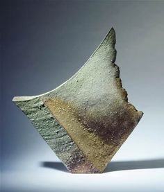 YASUHISA KOHYAMA Tall sculptural form, 2006 anagama fired stoneware height 53 cm (20.9 inches)