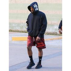 Kanye West wearing Adidas Traxion Premier Crew Socks, Yeezy Boost 350 Sneakers and Saint Pablo Tour Merchandise Shorts Kanye West Outfits, Kanye West Style, Moda Streetwear, Streetwear Fashion, Adidas Superstar, Moda Kanye West, Adidas Tumblr Wallpaper, Yeezy Outfit, Men's Fashion Styles
