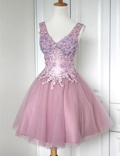 Modern V-neck Appliques Organza A-line Short Homecoming Dresses Prom Gowns