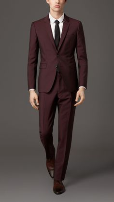 Burberry London Claret Slim Fit Wool Mohair Suit - A slim fit suit with a short… Maroon Suit, Burgundy Suit, Mens Fashion Suits, Mens Suits, Fashion Hats, Fashion 2018, Fashion Styles, Mohair Suit, Dapper Men
