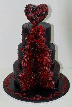 """""""Geode Ruby"""" - A beautiful cake made by House of Cakes in Dubai - Cakes and Sweets - Gateau Gothic Wedding Cake, Wedding Cake Images, Black Wedding Cakes, Wedding Cakes With Cupcakes, Cool Wedding Cakes, Wedding Themes, Halloween Wedding Cakes, Halloween Cakes, Halloween Desserts"""