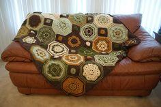 Transcendent Crochet a Solid Granny Square Ideas. Inconceivable Crochet a Solid Granny Square Ideas. Plaid Crochet, Form Crochet, Crochet Blocks, Crochet Mandala, Crochet Motif, Crochet Patterns, Crochet Granny Square Afghan, Crochet Squares, Baby Blanket Crochet