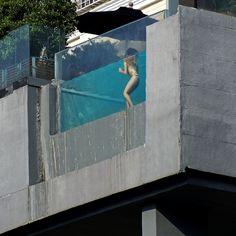 Vie Hotel - Pool - Swimmer