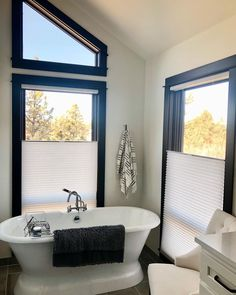 Give your bathroom a timeless makeover with bold, beautiful, black and white accents. Our top-down/bottom up shades are an ideal solution for maintaining privacy while also allowing natural light in. 📸 Budget Blinds of Central Oregon Honeycomb Shades, Budget Blinds, Cellular Shades, Central Oregon, Clawfoot Bathtub, Window Coverings, Natural Light, Budgeting, Windows