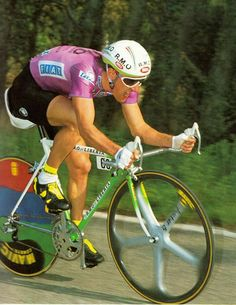 One of the cleanest riders ever. What could have been Charly. Vintage Cycles, Vintage Bikes, Vintage Sport, Classic Road Bike, Athletic Body, Bicycle Race, Cycling Art, Retro, Racing