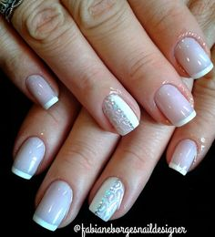 #nail #nails #unhas #instanail #handmade #manicurefrench #francesa #french #francesa #manicurefrench #unhas #unhasdecoradas #pedrarias #joiadeunha #camafeo #luxo #diva #swaroski #cristais #cristalswarovski #blogger #blogueira #feitoamão