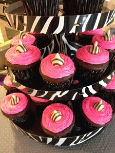 HECK FRIDAYS: HOT PINK & ZEBRA BIRTHDAY PARTY  @Melissa Klekotka