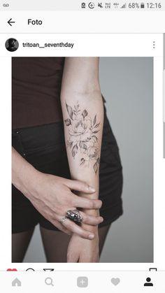 But on ankle - Tattoos - Minimalist Tattoo Girl Arm Tattoos, Sleeve Tattoos, Tattoos For Women, Pretty Tattoos, Beautiful Tattoos, Nouveau Tattoo, Neue Tattoos, Peonies Tattoo, Makeup Tattoos