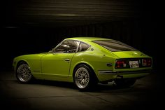 1972 Datsun 240Z - Not a big fan of colorful cars but this one actually looks pretty nice in green, but not sure I'll be willing to pay $125,000 for it ;)