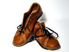 Vintage Bowling Shoes / Leather Oxfords Scruffy by SueEllensFlair, $24.95