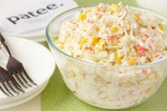 8 great ideas for delicious salads with corn – … - Salat Ambrosia Salad, Kefir, Potato Salad, Pizza, Ethnic Recipes, Easy, Desserts, Corner, Kids