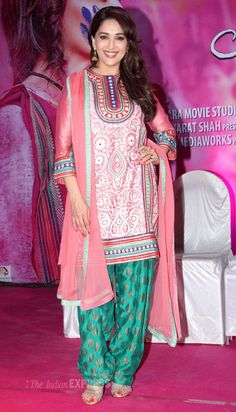 You want a top bollywood fashion outfits - the fashion and passion of bollywood is the pride of oldindia. CLICK Visit link above to see more - Bollywood Fashion Bollywood Saree, Bollywood Fashion, Indian Dresses, Indian Outfits, Indian Clothes, Juhi Chawla, Desi Wear, Beautiful Bollywood Actress, Madhuri Dixit