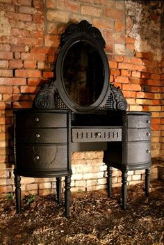 <3 makeup table vanity.. love the dark beauty of this.. just needs mini lights around