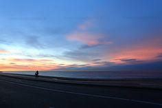 #lever de #soleil au dessus de la Baie des Anges à #Nice #mer