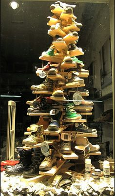 Love this tree to display anything! 5 Cheap Holiday Window Display Ideas That Will Fill Your Small Store's Budget with Joy Shoe Display, Visual Display, Display Design, Store Design, Display Ideas, Bottle Display, Retail Windows, Store Windows, Vitrine Design