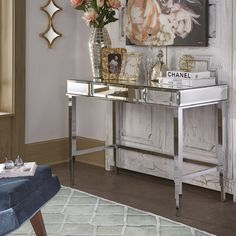Guidinha Writing Desk in champagne