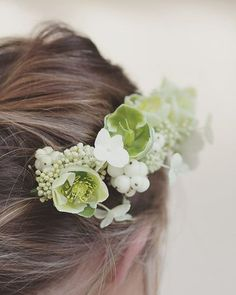 Seeking and pursuing peace of heart + mind. #thebotanicalheart #thebotanicalseries #fouriadore #fineartfriday #collectedsaturday #seekthesimplicity #seek #pursuepretty #pursue #peace #heart #haircomb #flowersinmyhair #britishflowers #hellebore #helleborus #hydrangea #theantiflowercrown #photography #thatsdarling #momentslikethese #darlingmovement #verilymoment #florist #flowers #psalms