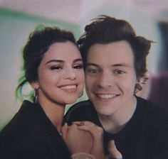 Harlena shared by sal on We Heart It Image discovered by sal. Find images and videos about selena gomez, Harry Styles and harlena on We Heart It - the app to get lost in what you love. Harry Styles Quiz, Harry Styles Dating, Harry Styles Concert, One Direction Harry Styles, Harry Styles Pictures, Kendall Harry, Kendall And Harry Styles, Kendall Jenner Tumblr, Kendall Jenner Photos