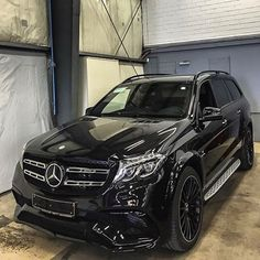 Murdered Mercedes GLS63 AMG  Check out @vistale for more luxury! @vistale Tag someone that would love to drive this beast!  -- Photo by @chrissagramola