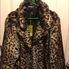 6th & Lane Faux Fur Leopard Print Coat NWT. Never been worn. From Lane Bryant's 6th & Lane Collection. Kind of a swing coat silhouette. 22/24 Lane Bryant Jackets & Coats