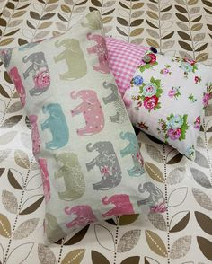 I'm just loving these rectangle cushion inners!  2 beautiful cushions made during the Introduction to Sewing Class at The Edinburgh Sewcial Club  #Sewing #Edinburgh #LearnToSew #Cushions #EdinburghSewingClasses