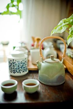 China ,as the homeland of tea, pioneers the world in planting, making and drinking it. There are various kinds of Chinese tea,Do you know about it? Asian Teapots, Zen Tea, Tea Culture, Tea Art, Chinese Tea, Tea Ceremony, Afternoon Tea, Craft Beer, Truffles