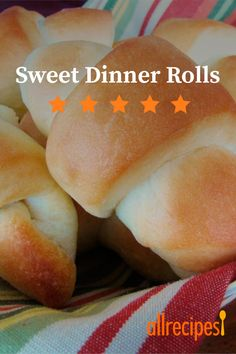 This basic homemade dinner roll recipe is the only one you'll ever need. It makes soft, sweet dinner rolls, and can also be used for cinnamon rolls. Sweet Dinner Rolls, Homemade Dinner Rolls, Dinner Rolls Recipe, Bread Recipes, Cooking Recipes, Diet Recipes, Good Food, Yummy Food, Star Food
