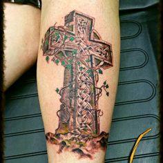 Celtic cross Celtic Tattoos For Men, Celtic Cross Tattoos, Celtic Crosses, Tattoos For Guys, Irish Pride, Bird Drawings, Symbolic Tattoos, I Tattoo, Skulls