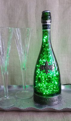 This item is made of cork, glass and is available in primary color : green, secondary color : silver, style : contemporary, occasion : wedding. Bfg Km2, Bottle Fairy Lights, Led Lamp, Champagne, Spanish, Unique Jewelry, Handmade Gifts, Vintage, Etsy