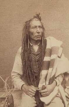 Indian Pictures: Dakota Sioux: Other than a Dakota Sioux Chief, there isn't anything else, connected with this photo. Will research American Indian Pictures Native American Photos, Native American Tribes, Native American History, American Indians, Cree Indians, American Women, Native American Cherokee, Canadian History, American Symbols