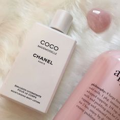 Perfume Scents, Fragrance, Pretty When You Cry, Eco Friendly Makeup, Coco Chanel Mademoiselle, Perfume Samples, Princess Aesthetic, Cosmetics & Perfume, Perfume Collection