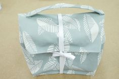 Lunch Box, Gift Wrapping, Sewing, Gifts, Oilcloth, Gift Wrapping Paper, Dressmaking, Presents, Couture