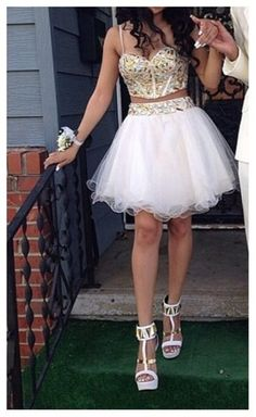 This+dress+could+be+custom+made,+there+are+no+extra+cost+to+do+custom+size+and+color.  Description+  1,+Material:+Tulle   2,+Color:+picture+color+or+other+colors,+there+are+126+colors+are+available,+please+contact+us+for+more+colors,+  3,+Size:+standard+size+or+custom+size,+if+dress+is+c...